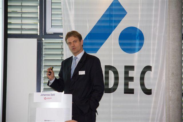 Johannes Deltl auf der Benchmarking-Konferenz von Indec